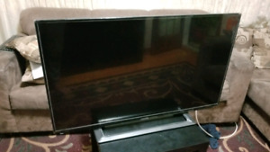 """42"""" 1080p SHARP LED TV 120Hz!  MINT CONDITION $250 OR BEST OFFER"""
