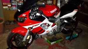 R6 for sale