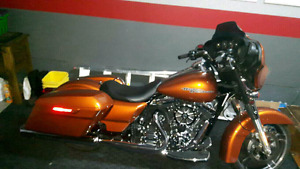 2014 street  glide  mint condition