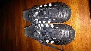 youth soccer shoes size 9