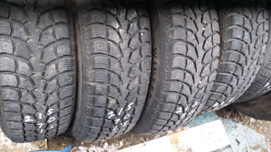 Four Winter Claw Extreme Grip 215/70R15