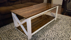 Farmhouse Style Coffee Table ( New !! )