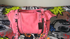 GREAT SPRING PURSE