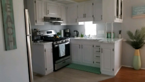 Fully renovated 2 bedroom cottage at Sherkston Shore