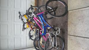 Vélo de montagne 24 pouces à suspension 60 $chaque