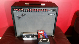 VINTAGE FENDER AMP W/ FOOTSWITCHES