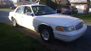 Ford Crown Victoria 1998 Civil 168000kilo