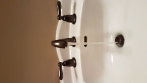 NEWER MOEN TAP AND FAUCET SET.