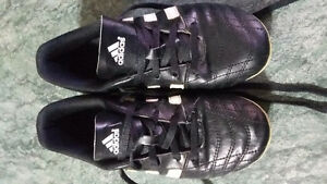 Unisex soccer shoes, adidas