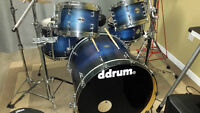 Ddrum Custom Maple Shell 5 peice. They are Indigo Blue Fade to B