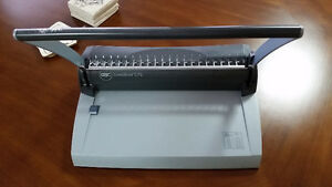 GBC CombBind G75 Binding Machine