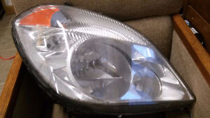 07 Mercedes Sprinter 2500 Headlight Lamp RH 906 820 16 61