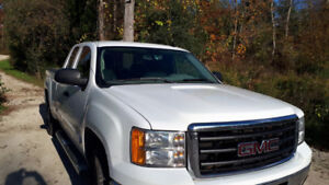 2011 GMC Sierra Nevada 4X4 - 122K - MINT
