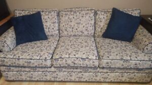SOFA FOR SALE  3 SEATER AND 2 SEATER LOVE SEAT