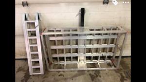 Aluminum receiver cargo rack with ramp