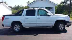 2005 CHEVY AVALANCHE LT
