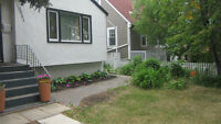 PARKALLEN BUNGALOW with 2nd KITCHEN close to University of AB