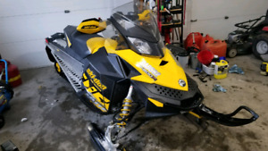 Parting out 2010 Skidoo Renegade 800r