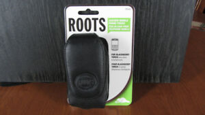 Roots RPDA5 Leather Mobile Phone Pouch