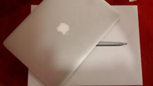 2013 13.3 MacBook Air i7 1.7GHz up to 3.3GHz W/Turbo boost 8GB