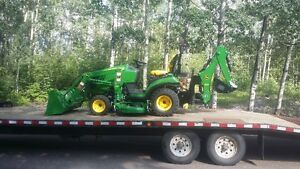 2016 John Deere 1025R - Only 10 hours!