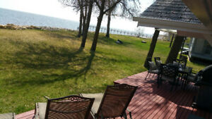 Lakefront/waterfront cottage/cabin rent/rental at Winnipeg beach