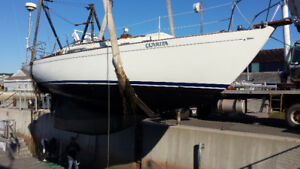 Sailboat for sale (32' Douglas) with trailer