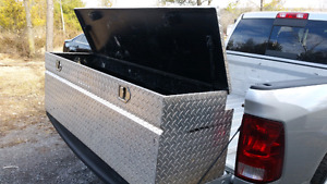 Tool box /  pick up truck /