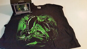 ALIEN Shirt (XL) and Figure two pack NEW!