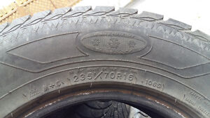 Good-year winter tires 235/70/R16 4 for  $220 West Island Greater Montréal image 3