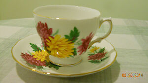 collectable real porcelaine cup+plate