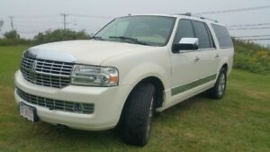 FOR SALE 2005 LINCOLN NAVIGATOR FOR A GREAT PRICE