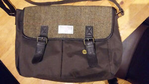 Gorgeous messenger bag with HAND WOVEN IN SCOTLAND Harris Tweed