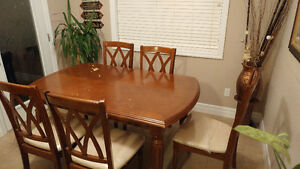 Dinner Table with 6 chairs, good conditions from Leons Kitchener / Waterloo Kitchener Area image 2
