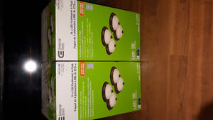 Commercial Electric 11 in Led flushmount 2 new boxes 4 pack
