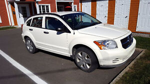 Automobile Dodge Caliber SXT 2007