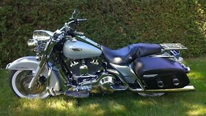 Harley Davidson FLHRC Road King Classic