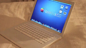 Apple Macbook white very good condition, Upgraded