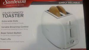 Brand new in a box Sunbeam 2-slice capacity toaster
