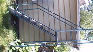 SCAFFOLDING STEPS WITH PLATFORM MOBILE STOCK PICKING Stratford Kitchener Area image 1