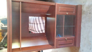 TV / Hutch for sale!
