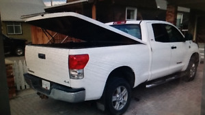 2007 n up Toyota Tundra Tonneau cover