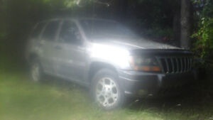 Parting out many 99 - 04 Grand Cherokees