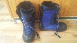 2 pairs of snowboard boots