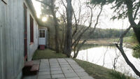 Exclusive waterfront bungalow, summer season rental, Rawdon Qc.