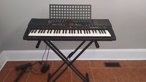 Yamaha PSR 500 Keyboard and Stand