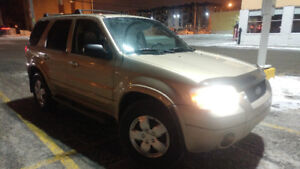 2007 Ford Escape Limited 4X4  cuir full 2800$