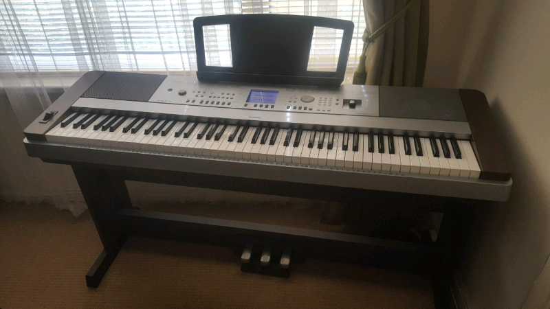 ☆☆☆ YAMAHA DGX-640 DIGITAL GRAND PIANO, LIKE NEW CONDITION  LOOK ☆☆☆ | in  Rochester, Kent | Gumtree