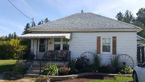 Cozy updated bungalow on a large lot in New Hamburg