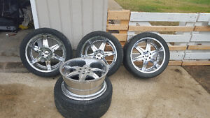 "22"" MOZ 6 spoke Chrome rims with low profile tires"